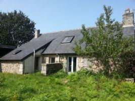 Detached stone cottage with bread oven situated on approx 1,755 sq.m of land.