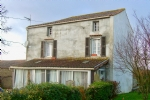 Detached 3 bed house with conservatory and outbuildings. Near Vouvant.