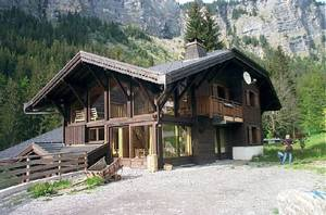 Immense recently built chalet