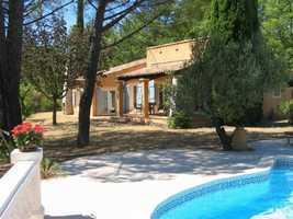 Villa within walking distance of Flayosc village (1km)