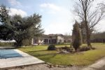 Grande maison contemporaine avec piscine chauffée