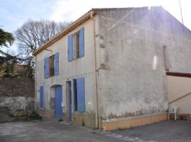 Character house with 4 bedrooms garage and pretty for Garage du canal frouzins