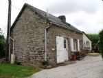 Renovated stone cottage with garden and parking