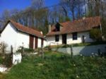 Ref 3392: pretty farmhouse in need of cosmetic work