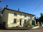 Charming 3 bedroom village house - full sun exposure!