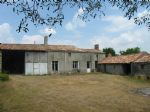 Lovely country property to renovate, on 6600 m² of land