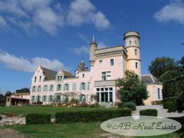 *** Excellent value for money *** 19th century Château, 600m² living space, 12 bedrooms,