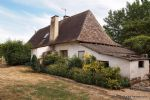 Farmhouse with 8 hectares of land, fishing lake and outbuildings (Dordogne, 24)
