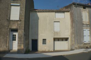 Mid terrace town house close to shops in La Chataigneraie, Vendee.