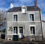 Renovated 2 Bedroom Village House & ¼ Acre Level garden situated just 15mins from La Châtre
