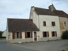 An old restaurant/house is in the centre of Vigoux