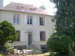 This light and airy house, situated in a pretty village between Dinan and Combourg