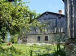 A lovely old farmhouse that needs some love and attention to turn it into a fabulous property!