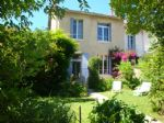 AVIGNON extra-muros, city center by foot, renovated 3-beds house, South-oriented garden,garage.