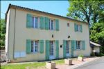 This pretty stone house is in a very tranquil location 50m from the Vienne river