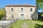 Maison en pierres située dans un petit hameau à 3km de Jegun