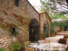 Romantic Property with independent main house among 19th Century authentic Catalan Mas, 750m2,
