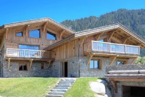 MEGEVE - Large 6 Bedroom Chalet located in a quiet environment in Rochebrune.