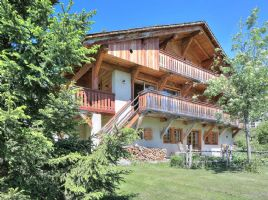 MEGEVE – Beautiful high specification 4 bedroom chalet facing the Mont Blanc with self-containe