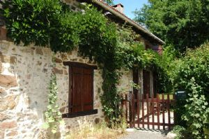 REDUCED Lovely renovated fermette tucked away, with barn and beautiful garden