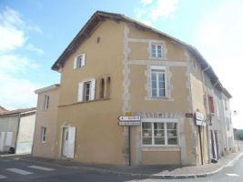 La Peruse - three bedroom old house - modern and totally renovated