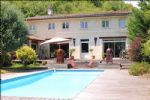 2 minutes from Libourne, 15 mn from Saint-Emilion and 40 mn from Bordeaux