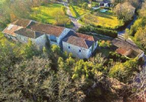 Big potential for this property group has about twenty kilometers from Cahors