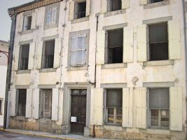 Large mansion to be renovated in the Minervois