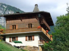 Perfectly situated large chalet with a fabulous view