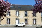 Delightful Detached 6 Bed Town House Full of Character, Near to Josselin