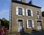 Elegant bourgeois 19th century house at the heart of picturesque lakeside villag