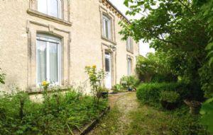 Lovely renovated Maison de Maitre near Parthenay