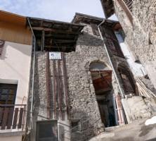 Barn to Renovate in Mountain Village near Bozel