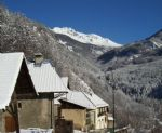 Stone-built Alpine Valley Farmhouse in a World Top Country and Ski-Holiday Region