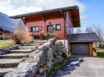 A charming chalet with large garden in the pretty resort of Bernex.