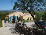 Excellent location for these 2 villas on a 4100 m² plot with panoramic views and good revenues.