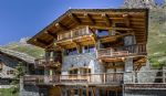 Le Chalet Lo Suel is located in the hamlet of Le Fornet, 5 minutes away from Val d'Isère