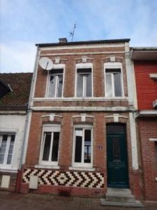 Town house in good condition with garage and garden in Auxi le Chateau