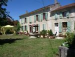 House with gite and garden, near Dampierre sur Boutonne