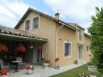 Modern house with garden close to centre of Limoux
