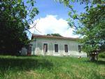 Brossac, sud Charente. Maison de plain pied sur 5140m², grande dépendance.