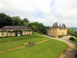 18th Century Chateau situated north of Pau