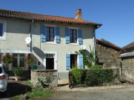 Fully furnished 3 bed hamlet property with barn