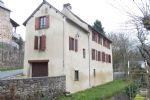 House with 226 m² of living area, located in a small village