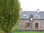 Jugon les lacs, pretty village house with low maintenance garden,