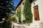 Character stone farmhouse + 2 cottages + 2 studios, total 318m2 living space, large number
