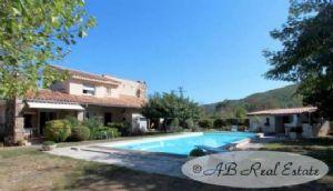 *** Reduced Price *** Two storey modern villa, 230m², 3 bedrooms, gîte, turnkey, 2500m²,
