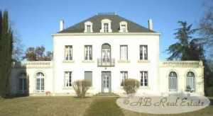 Superb 19th century Manor house, 466m² on three levels, 8 bedrooms, original features, garage,