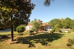 Melle (79) - Detached sous-sol property with large gardens in the heart of Melle