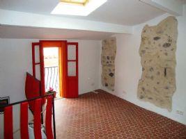 Quaint stone house close to good village amenties